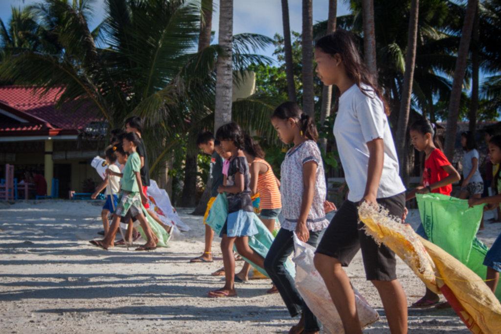 IMG 4264 1024x683 - Sprzątanie plaży na Siquijor