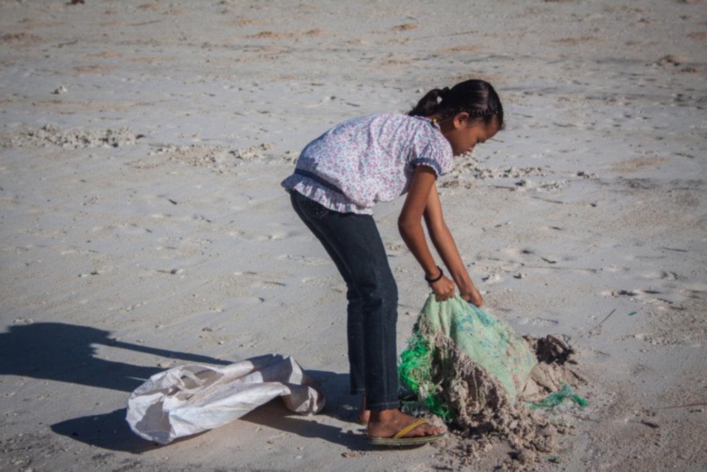 IMG 4283 1024x683 - Sprzątanie plaży na Siquijor