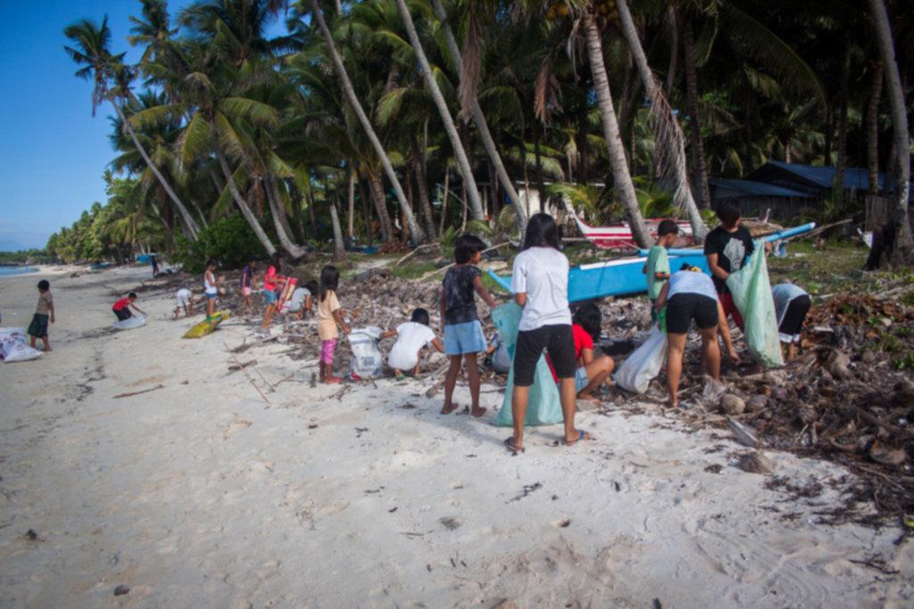 IMG 4311 1024x683 - Sprzątanie plaży na Siquijor