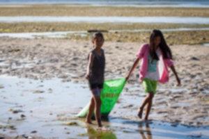 IMG 4721 300x200 - Sprzątanie plaży na Siquijor