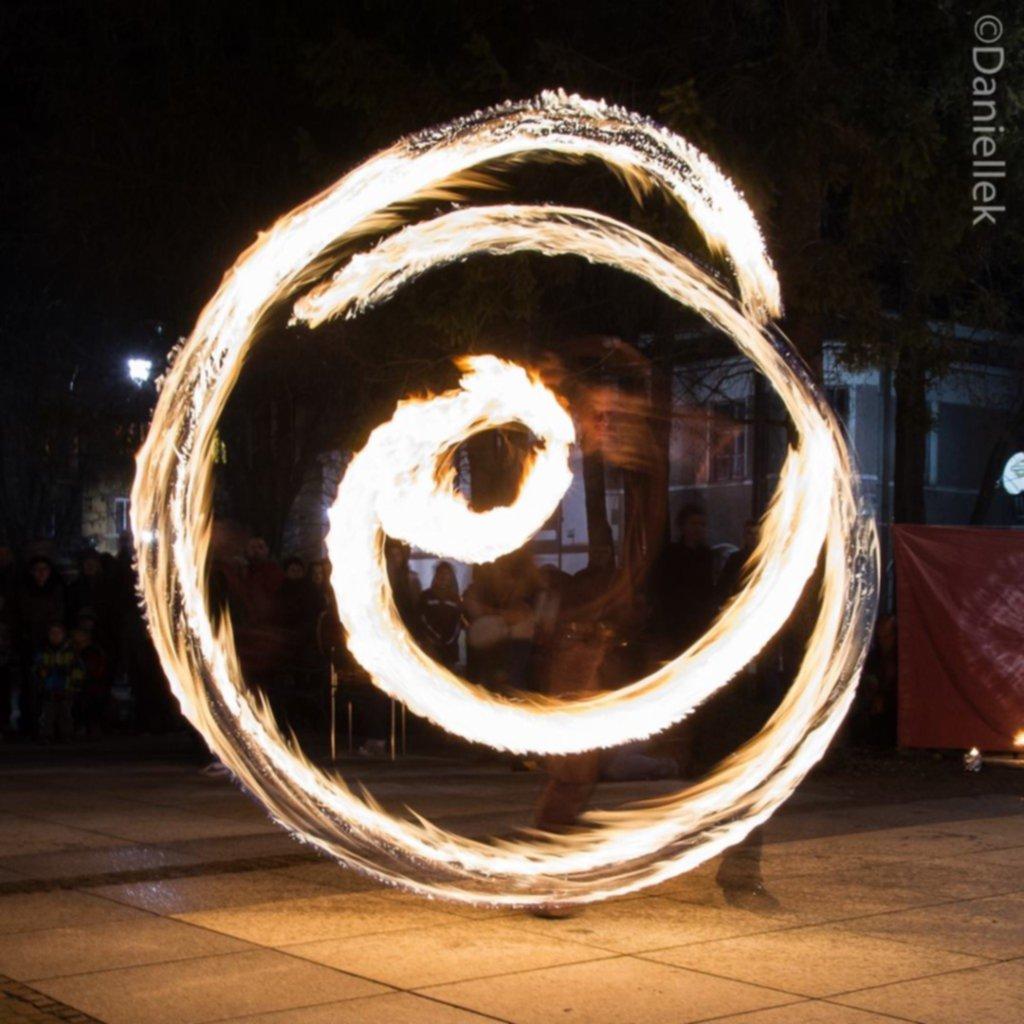614739 679351852084678 2142507275 o - Taniec z ogniem – fotorelacja
