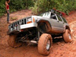 Jeep Cherokee offroad 2 300x225 - Rafał, pakuj się jedziesz na OffRoad do Rumunii