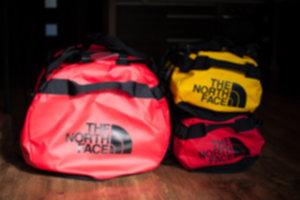 BASE CAMP DUFFEL  01 300x200 - Niezniszczalna torba podróżna