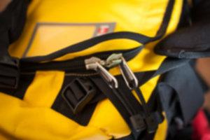 BASE CAMP DUFFEL  05 300x200 - Niezniszczalna torba podróżna