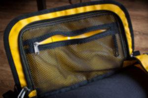BASE CAMP DUFFEL  09 300x200 - Niezniszczalna torba podróżna
