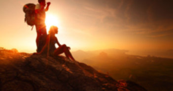 bigstock two hikers enjoying sunrise fr 47984294 351x185 - Jaki plecak w góry wybrać?