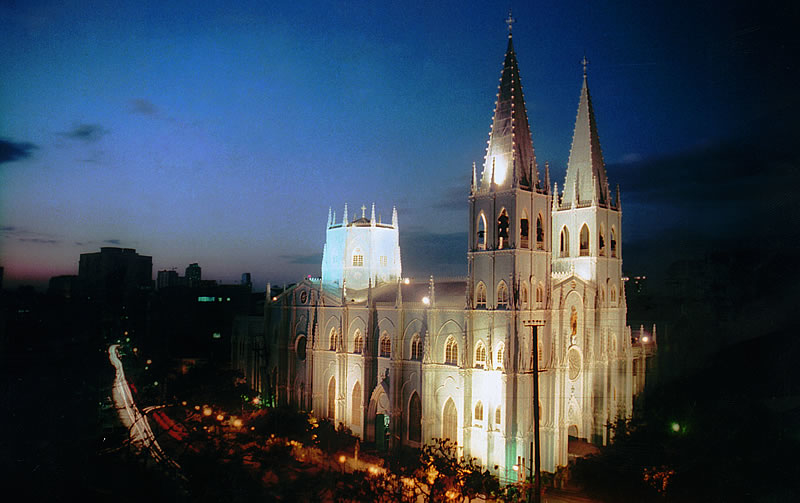 Basílica de San Sebastián Agustinos Recoletos Manila Filipinas. - City of Manila – co odwiedzić w stolicy Filipin