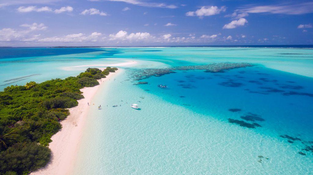 maldives 1993704 1280 1024x575 - Jak się przygotować na pierwszy wyjazd do Azji?