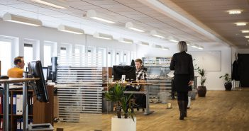 office-2360063_1920